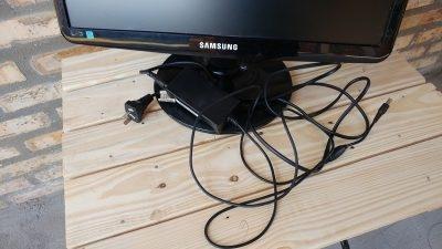 Vendo monitor marca Samsung descompuesto