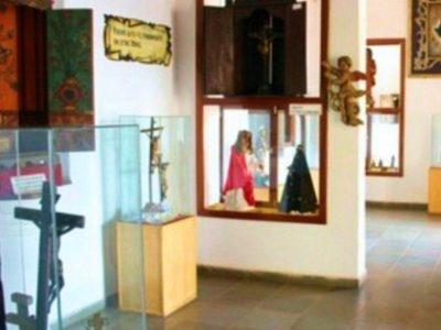 Museo de Arte Sacro de la Universidad Católica Regional Itapúa